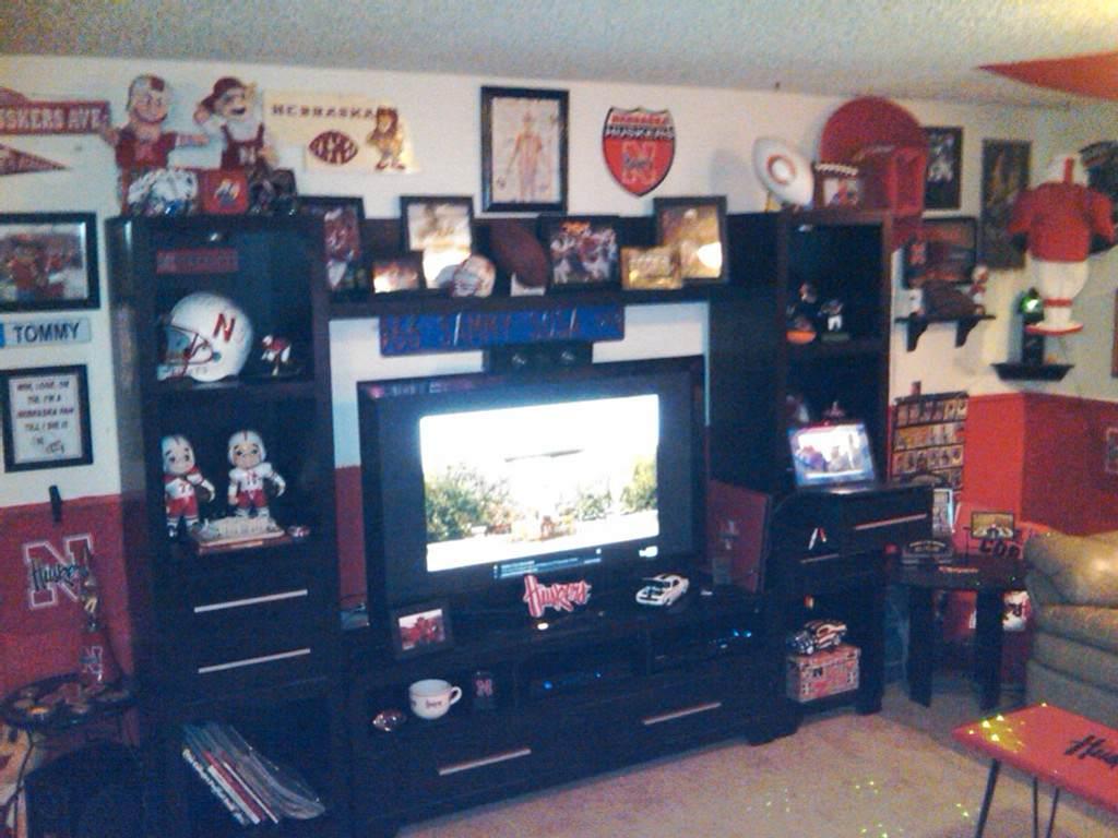 Man Cave Store Omaha : Husker shrines huskermax™