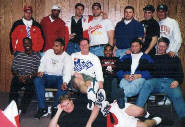 '94 Seniors Basketball Tour group shot