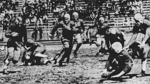 "Wayne Blue gains 10 yards for ""Yale"" in 1939."